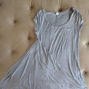 Old Navy Dresses - Old Navy short sleeve maxi dress.